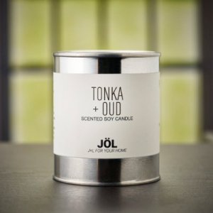 Tonka + Oud Scented Candle