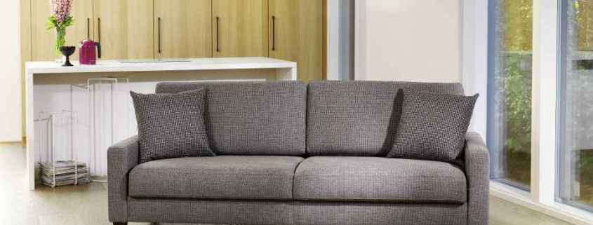 Harmaa-easy-sohva