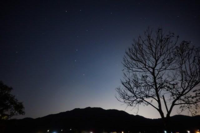 高祖山と北斗七星 Photo M.Hayashi 撮影地 糸島市 撮影日 2020.03.11