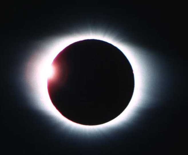 total-eclips-of-the-sun2