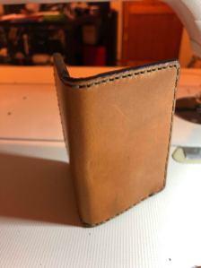 Porte carte à volets en cuir patron libre et gratuit à télécharger