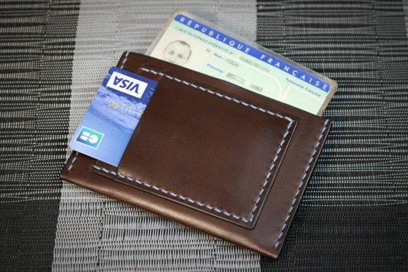 Patron gratuit porte carte cuir plat format carte identité FR et cb - point-sellier.com