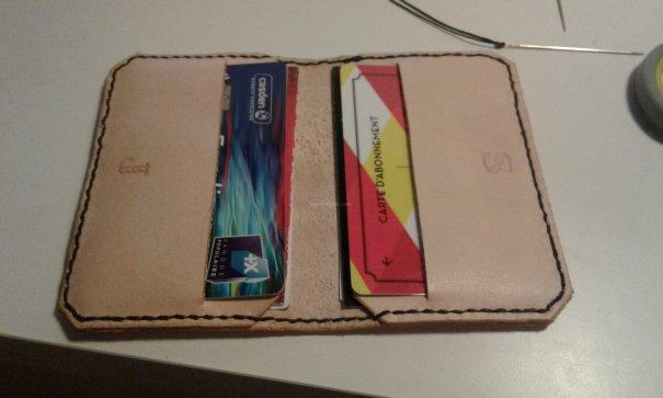 Porte cartes à volet télécharger patron libre et gratuit apprendre maroquinerie et travail du cuir