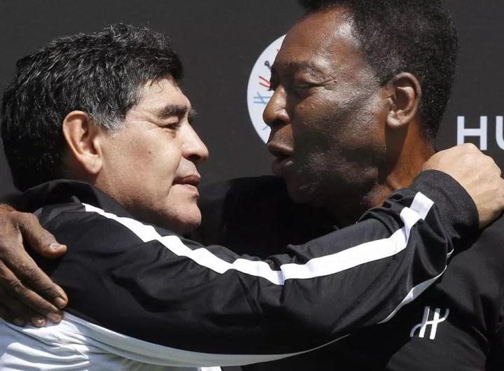 maradona-fete-ses-60-ans-avec-les-felicitations-de-pele