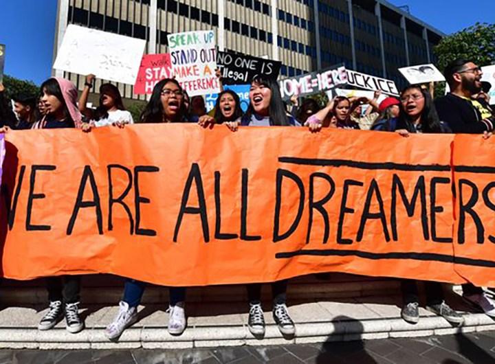 migrants-les-restrictions-de-trump-contre-les-dreamers-invalidees-par-la-justice