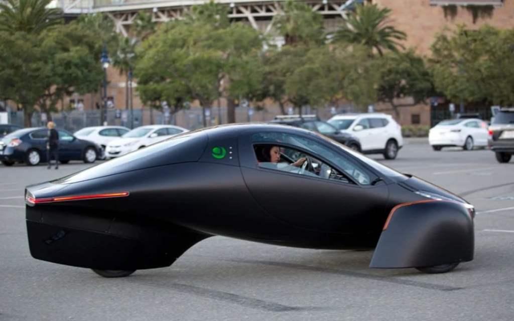 aptera-motors-voiture-electrique-solaire-a-l-autonomie-infini