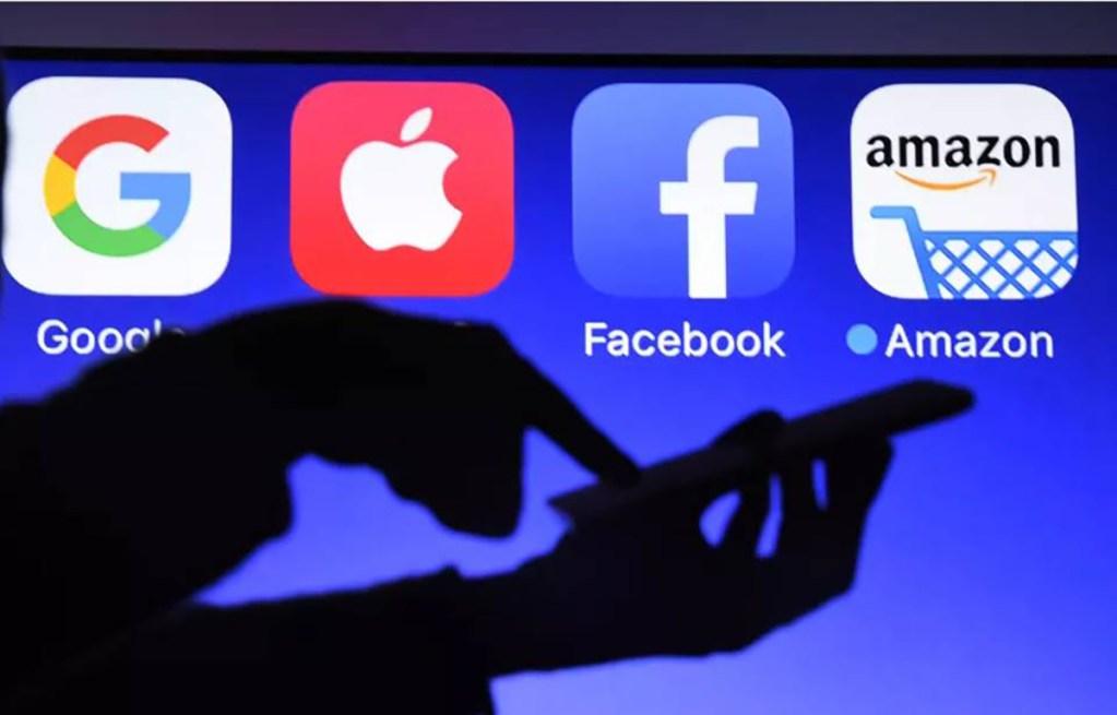 Facebook attaque Apple en justice