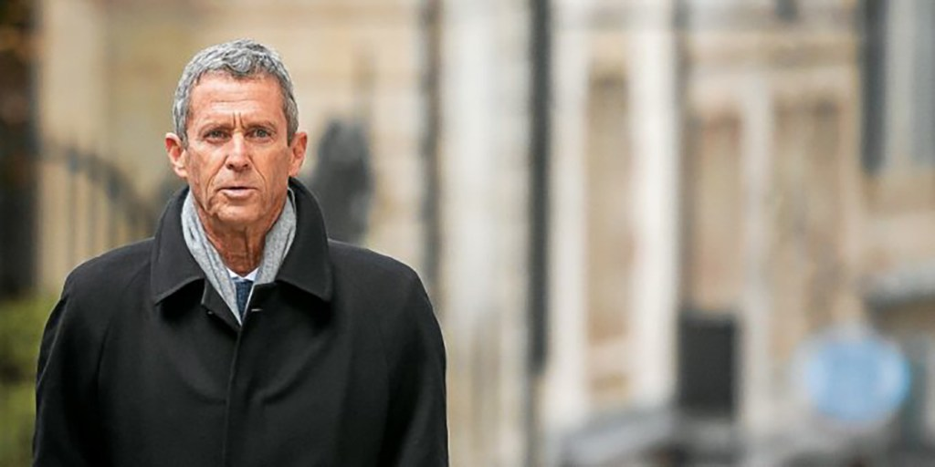 French-Israeli diamond magnate Beny Steinmetz comes back to Geneva's courthouse during his trial over allegations of corruption linked to mining deals in Guinea, on January 11, 2021 in Geneva. Steinmetz, who travelled from Israel to take part in the two-week trial resulting from a drawn-out international investigation, has denied wrongdoing in the case, which involves allegations of multi-million-dollar bribes paid to top Guinean officials to win lucrative mining rights. / AFP / Fabrice COFFRINI