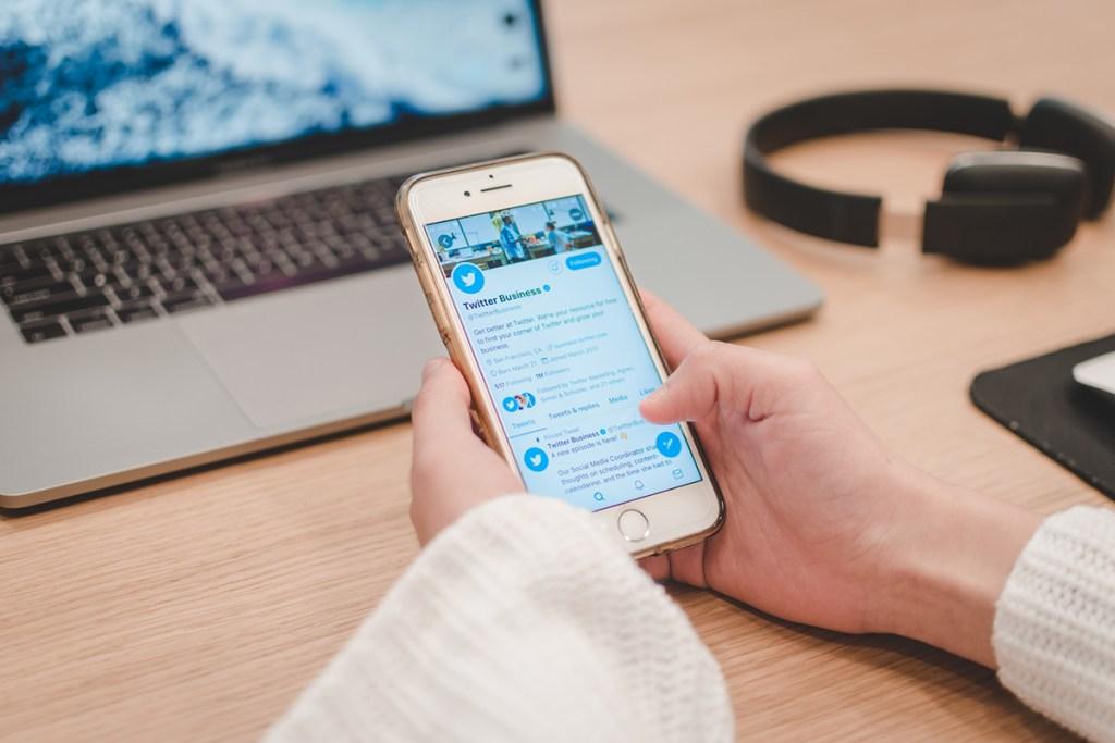 twitter-rachete-une-application-de-podcast-pour-developper-sa-fonctionalite-de-chat-audio-en-groupe