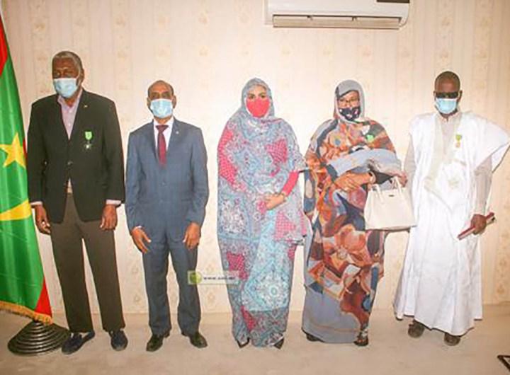 Des fonctionnaires décorés en Mauritanie