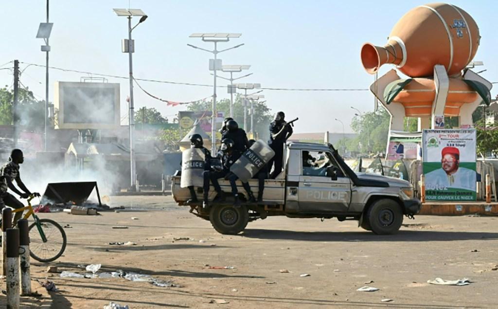 Niger : une tentative de coup d'Etat déjouée deux jours avant l'investiture du nouveau président