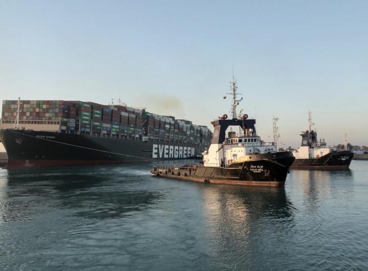 Canal de Suez: L'Égypte réclame 900 millions de dollars de dédommagements