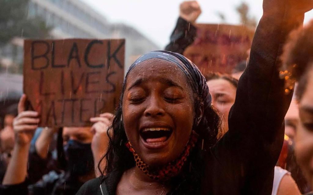 États-Unis : heurts après la mort d'un jeune homme noir dans une fusillade avec la police
