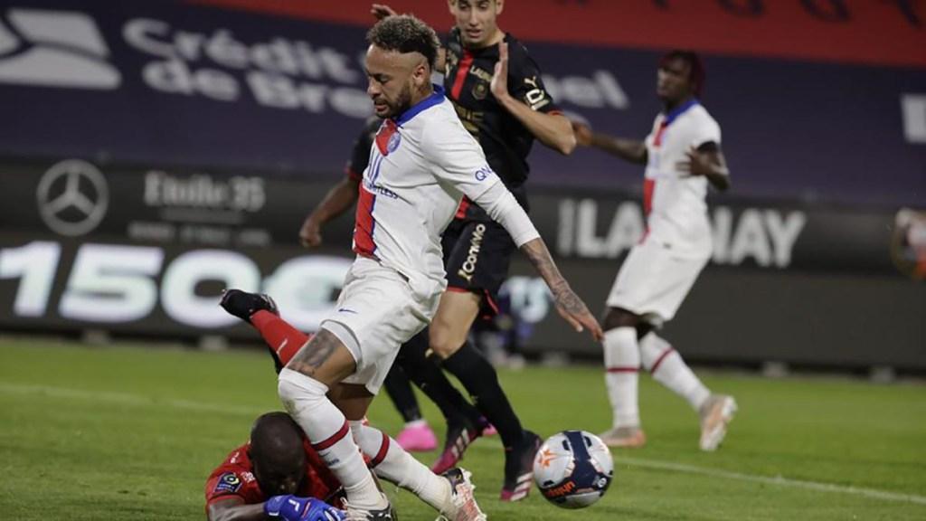 Ligue 1 le titre s'éloigne pour le PSG après le match nul contre Rennes (1-1)