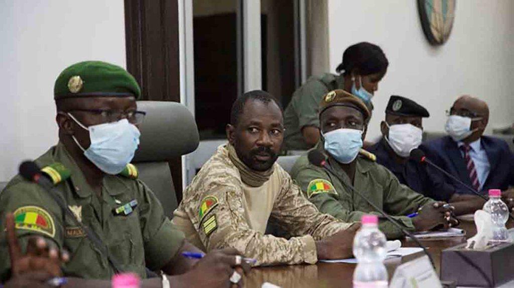 Mali: le colonel Assimi Goïta déclaré président après deux coups d'État