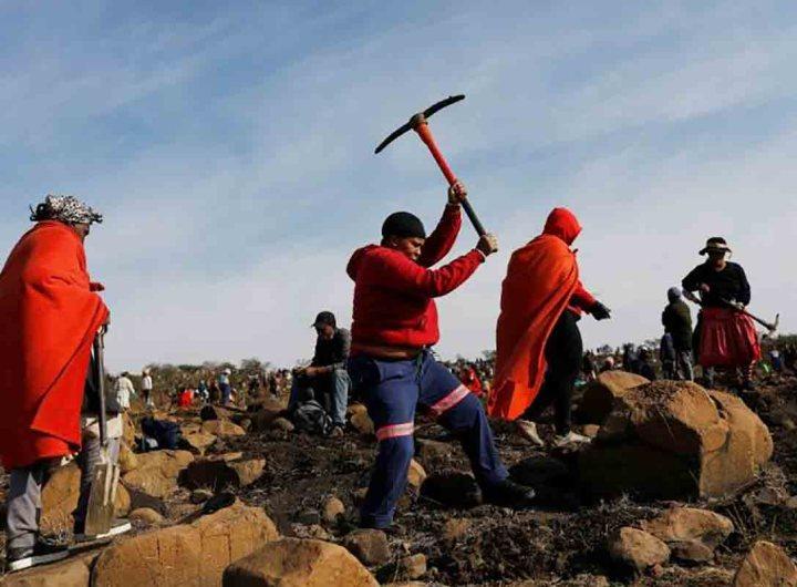 Afrique du Sud: une folle ruée vers de prétendus diamants