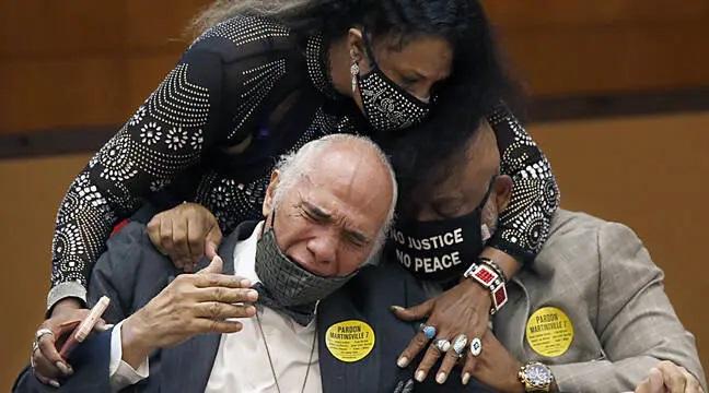 Etats-Unis : Sept Afro-Américains exécutés pour le viol d'une femme blanche, graciés 70 ans après