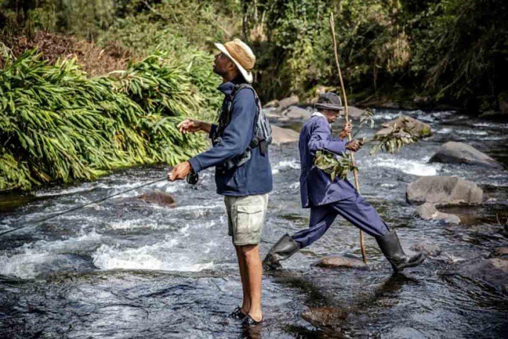 """Kenya: les pêcheurs à la mouche veulent ouvrir les portes de leur """"paradis"""""""
