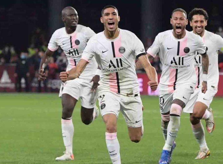 Paris SG s'est imposé à la dernière seconde, contre Metz, avec un doublé de Hakimi
