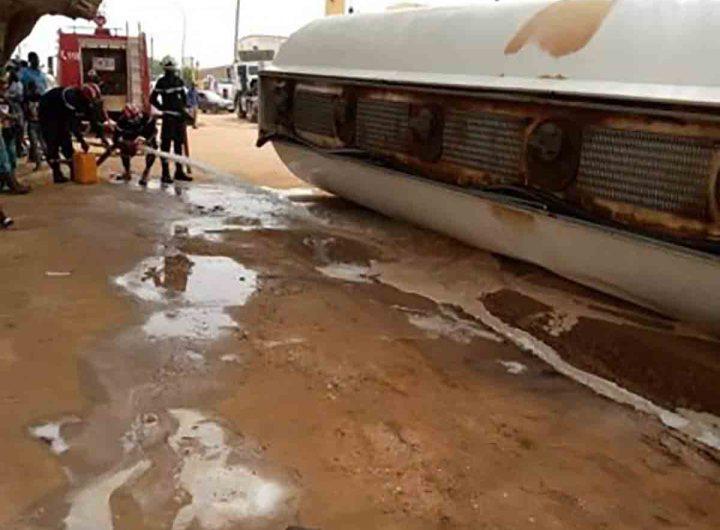 Un camion citerne transportant du carburant s'est renversé à N'Diourbel
