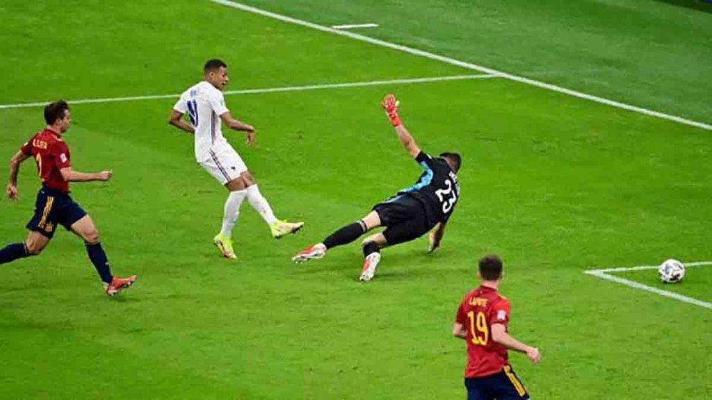 """France – Espagne : """" On ne comprend pas""""… Comment et pourquoi le but de Kylian Mbappé a-t-il pu être validé ?"""