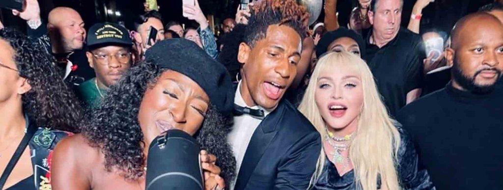 Madonna emmène son public dans les rues de New York en plein concert
