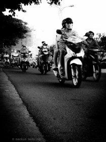 VN scooterists 04