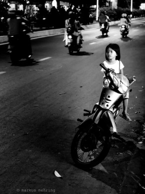 VN scooterists 07