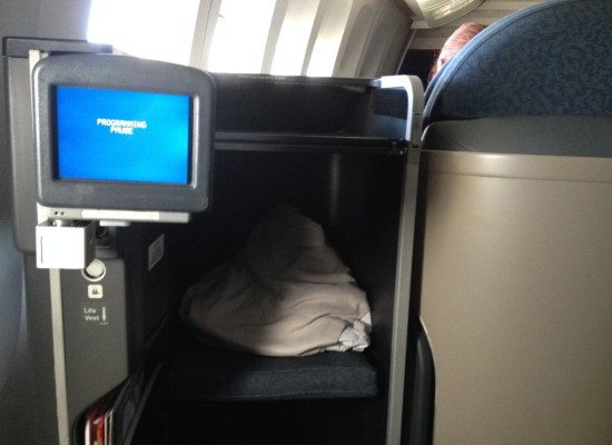 United Airlines 777 First Class Seat SFO - HNL
