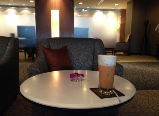 Thai Airways First Class Lounge Thai Iced Tea Bangkok Suvarnabhumi Airport