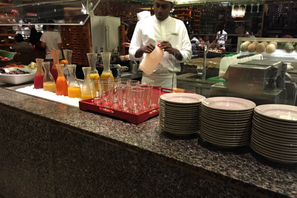 Grand Hyatt Singapore Straits Kitchen breakfast juice station