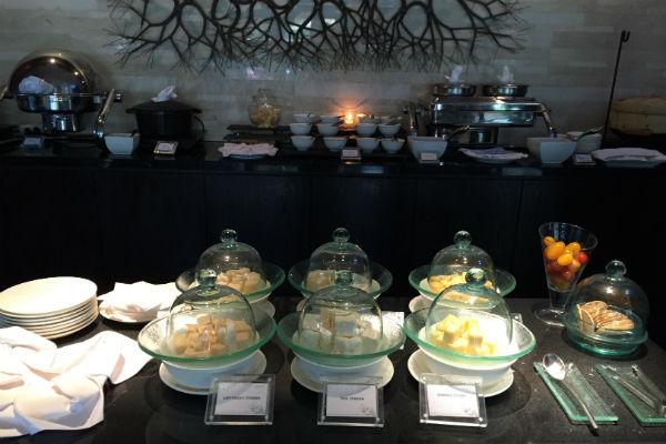 Conrad Bali RIN asian breakfast buffet 1