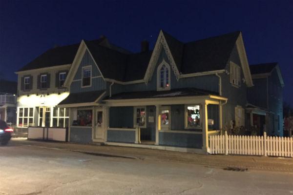 Gilmore Girls Stars Hollow filming location Unionville Ontario