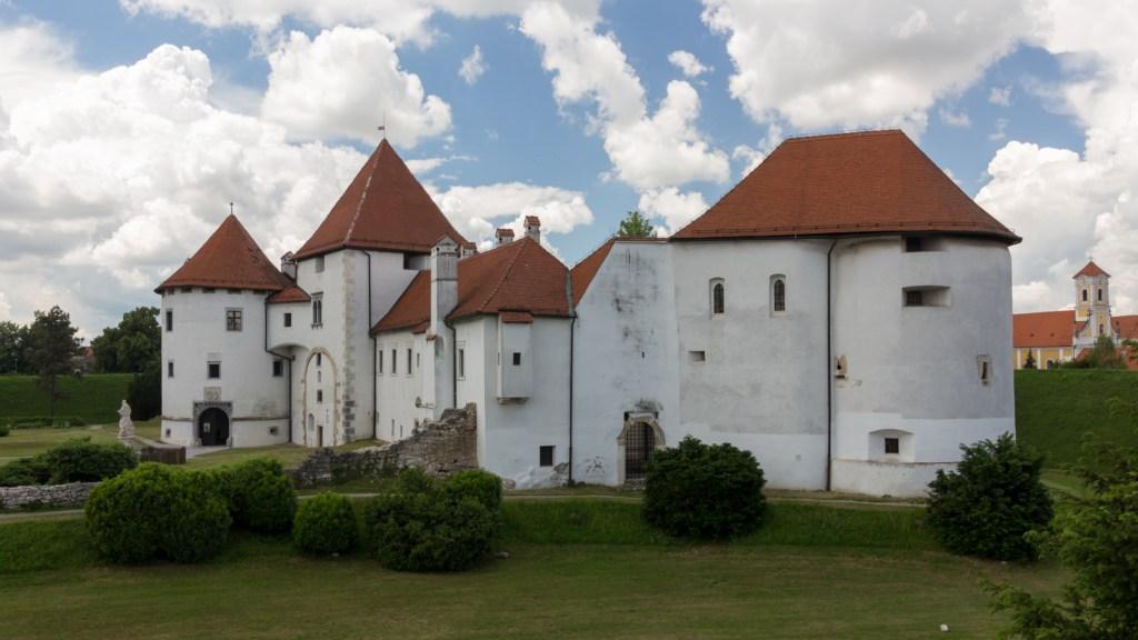croatia-castle-pointers-travel