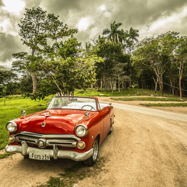 Cuba-car-Pointers-Travel