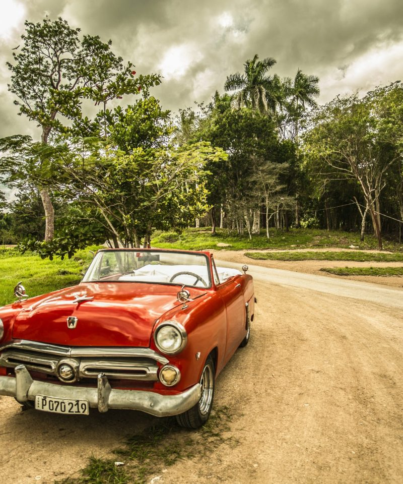 Cuba-car-Pointers-Travel