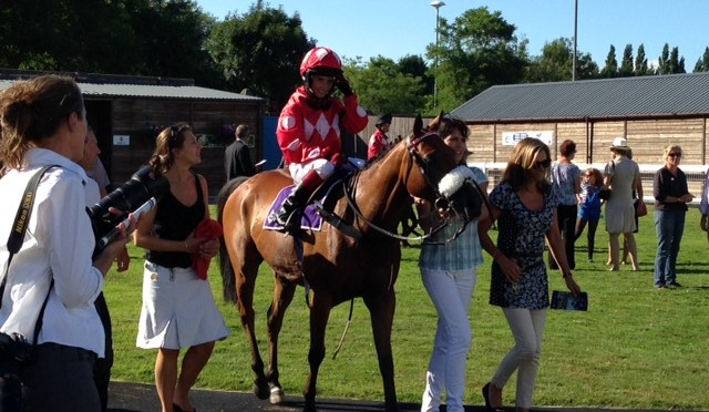 Pony Racing photos and videos