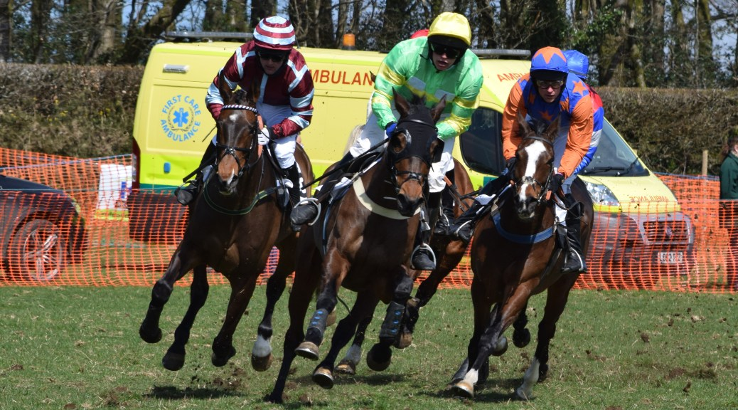 King's Quay (blue and orange colours) ... Open Maiden Division 1 winner
