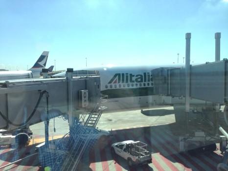 Alitalia B777-200ER Magnifica Business Class03