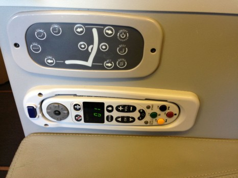 Alitalia B777-200ER Magnifica Business Class10