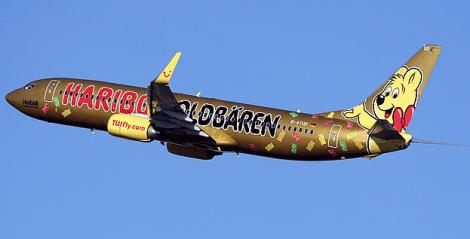 TuiFly Haribo Gold Plane 1