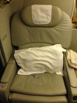 Emirates First Class DXB - Malé (MLE) B777-200LR03
