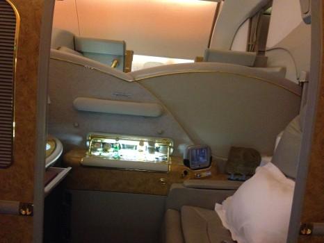 Emirates First Class DXB-MXP Dubai Milan 77712