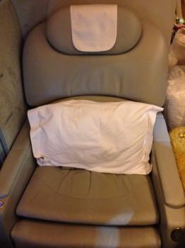 Emirates First Class DXB-MXP Dubai Milan 77715
