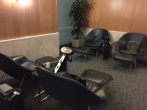 American AA Flagship Lounge43