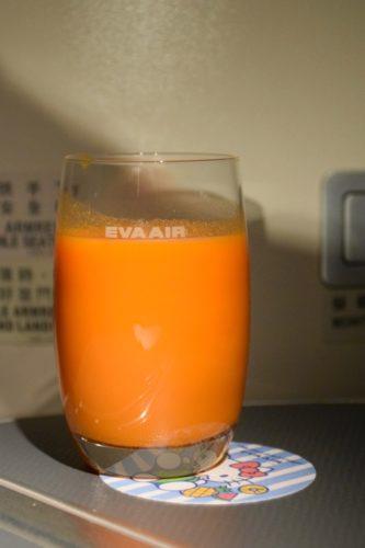 EVA Air Royal Laurel Class - Carrot Juice