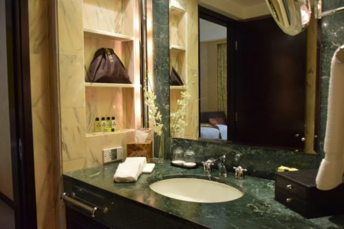 InterContinental Hong Kong Patio Room - Vanity