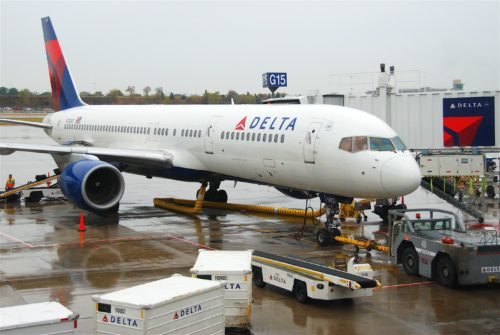 Delta Air Lines 757 in Minneapolis-St. Paul. Photo by Aero Icarus. Used with permission.