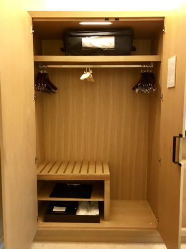 Conrad New York Deluxe Suite - Closet