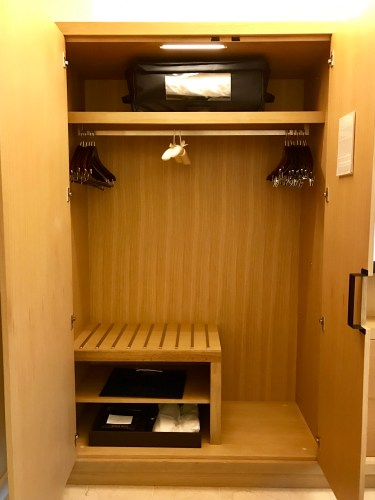 Conrad New York Deluxe Suite - Closet